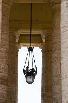 Free Pillars And Chandelier Stock Photo - 16284020
