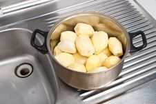 Free Refined Potatoes Royalty Free Stock Photography - 16289657