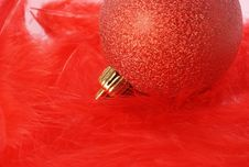 Free Red Christmas Bulb Royalty Free Stock Photos - 16291538
