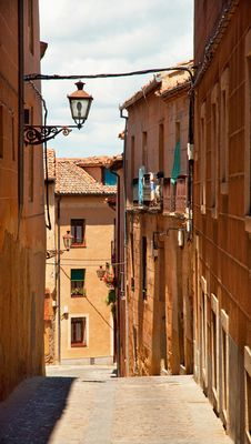 Free Houses In The Old Town In Spain Royalty Free Stock Photos - 16291598
