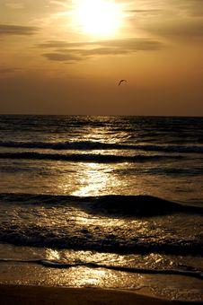 Free Sunrise Above Sea Royalty Free Stock Photos - 16292578