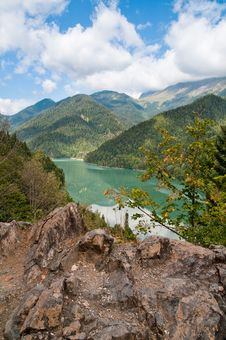 Free Lake Ritsa. Abkhazia. Stock Photo - 16292840