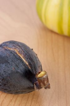 Free Ripe Fruits Of A Fig Stock Images - 16293424