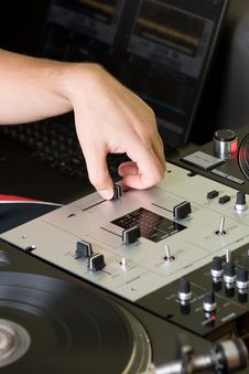 Free Hand Of A Dj Adjusting The Crossfader Royalty Free Stock Photography - 16294437
