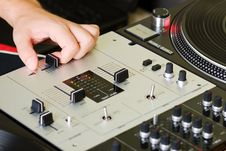 Free Hand Of A Dj Adjusting The Crossfader Stock Image - 16294451