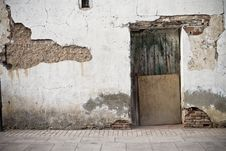 Free Old Door In Old Street Stock Photography - 16296992
