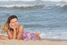 Free Girl  On The Sand Royalty Free Stock Photos - 16297038