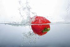 Free Red Bell Pepper Splashing Stock Photography - 16297352