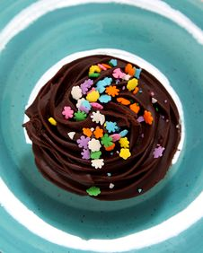 Free Chocolate Cupcake On Blue Plate Royalty Free Stock Image - 16297886