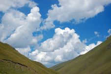 Cirrus In Mountains Royalty Free Stock Images
