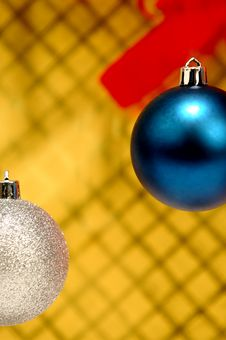 Free Silver And Blue Christmas Ornaments Stock Photos - 1633613
