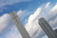 Free Twin White Cross Tower Stock Images - 1635344