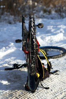 Free Winter Mountain Biking Royalty Free Stock Photography - 1637057
