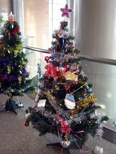 Free Christmas Tree Royalty Free Stock Photo - 1637685