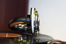 Free Old Gramophone With Reflection Stock Images - 1639994