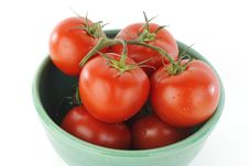 Free Tomatoes On Vine In Bowl Stock Photo - 16300230