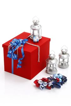 Free Red Present Box With Blue Ribbo Royalty Free Stock Images - 16303699