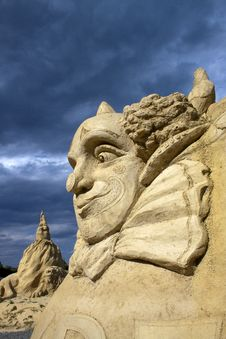 Free Sand Festival..Clown. Royalty Free Stock Photo - 16304825