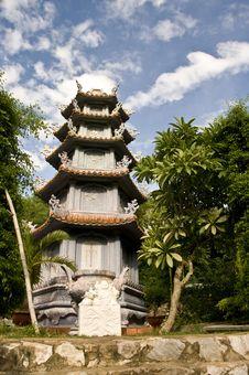 Free Marble Mountains Pagoda Stock Photo - 16305760