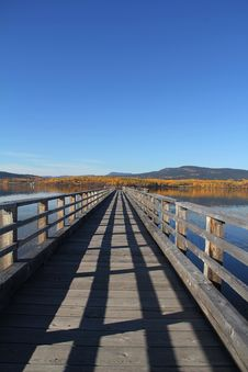 Free Autumn Pier Royalty Free Stock Images - 16308029