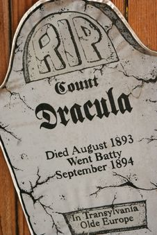 Free RIP Count Dracula Royalty Free Stock Images - 16312759