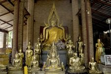 Free Group Of Buddhas In Wat Yai Chai Mongkol. Stock Photography - 16313592