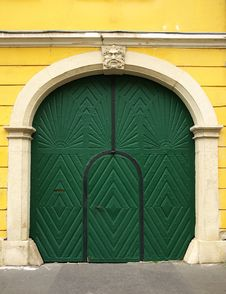 Free Green Door Royalty Free Stock Images - 16315229