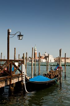 Free A Venetian Boat By A Landing Stage Stock Photo - 16315990