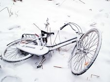 Free Bicycles In The Snow Stock Photo - 16323390
