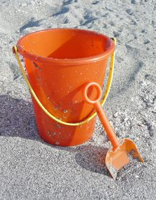 Free Bucket And Shovel Royalty Free Stock Photo - 16324115