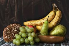 Free Fruit In A Wooden Bowl With Roll Royalty Free Stock Images - 16330929