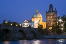 Free Charles Bridge At Night Royalty Free Stock Photos - 16331978