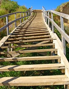 Free A Long Wooden Staircase Stock Photo - 16334200