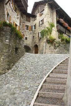 Free Stone Staircase Royalty Free Stock Photos - 16334998