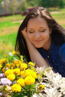 Beautiful Girl With Yellow Flowers Royalty Free Stock Image