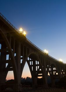 Free Classic Bridge Structure At Dusk In Silhouette. Stock Image - 16338371
