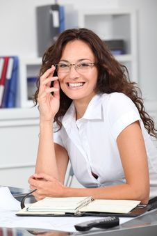 Free Smiling Office Worker Royalty Free Stock Images - 16339229