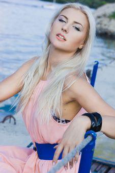 Free Beautiful Fashionable Woman Royalty Free Stock Photography - 16342217