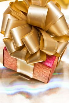 Free Red Gift Box Royalty Free Stock Images - 16342319