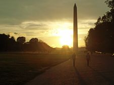 Free Washington Monument At Dawn Royalty Free Stock Image - 16342346