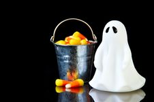 Free The Perfect Ghost With A Bucket Royalty Free Stock Photo - 16343495