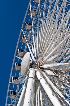 Free Large White Ferris Wheel With Enclosed Cars Stock Photo - 16343940