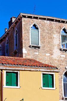 Free Italian Style Building Royalty Free Stock Photo - 16344995
