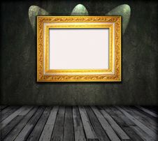 Old Room, Grunge Interior With Frames Royalty Free Stock Photos