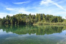 Free Green Lake In Autumn Stock Photo - 16356660