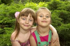 Free Two Little Girls Stock Photography - 16356722