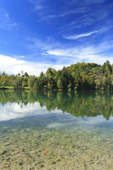 Free Green Lake In Autumn Royalty Free Stock Photo - 16356845