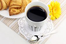 Free A Cup Of Black Coffee And Croissants Royalty Free Stock Images - 16357179