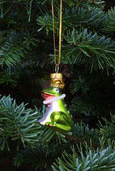 Free Christmas Frog Prince Tree Ornament Stock Photo - 16357390
