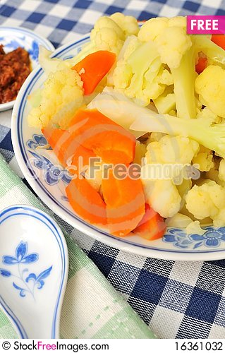 Free Healthy Vegetarian Cuisine Stock Photography - 16361032